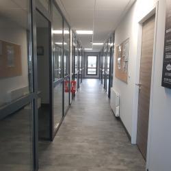 Après - couloir vers les bureaux
