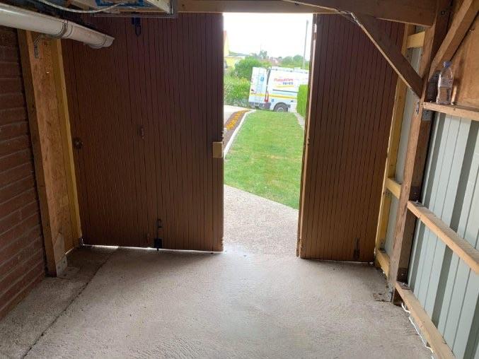 Montage et rénovation porte garage à Guimerville